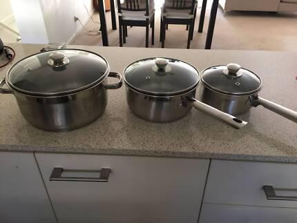 3 x Pots with lids