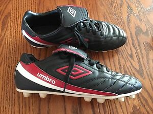 Umbro soccer cleats excellent condition