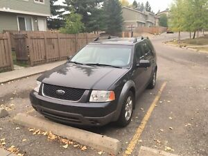 2007 Ford Freestyle/Taurus X SEL In MINT CONDITION