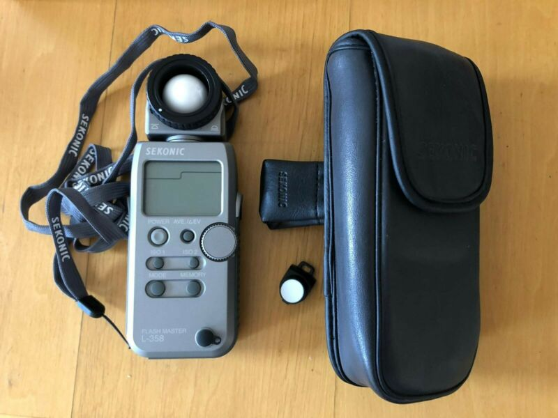 sekonic l-358 flash master light meter in *MINT* condition (never used) W/case