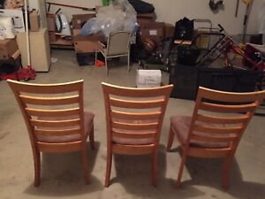 3 wood chairs solid wood in great condition