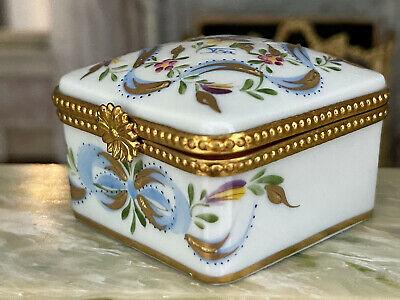 Vintage Porcelain Hand Painted Trinket Box Gold Gilt Trim Limoges France Signed