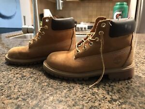 Boys Timberland boots - Size 2