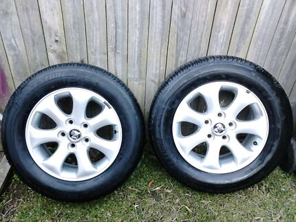 Holden ve commodore berlina 16 inch alloys and tyres Charlestown Lake Macquarie Area Preview