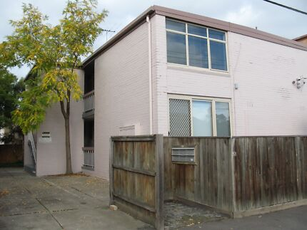 Fantastic renovated 1 bedroom unit in great location