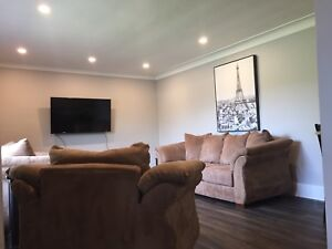 3BDRM EXECUTIVE HOME FULLY FURNISHED INCL UTIL