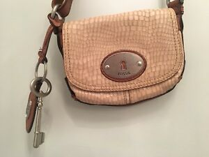 Fossil Cross Body Purse- Hardly Used!!!
