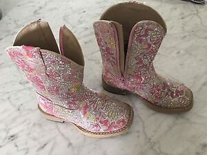 Girls size 8 cow boy boots