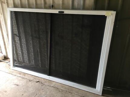 Aluminium sliding doors.never used. 2070x1380mm