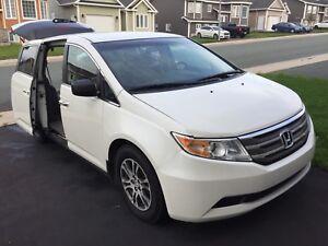 2013 Honda Odyssey with WARRANTY