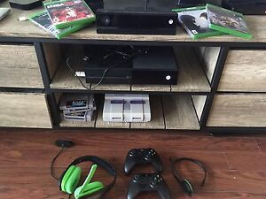 Xbox One+3.5TB storage/Kinect/controllers/games/headsets