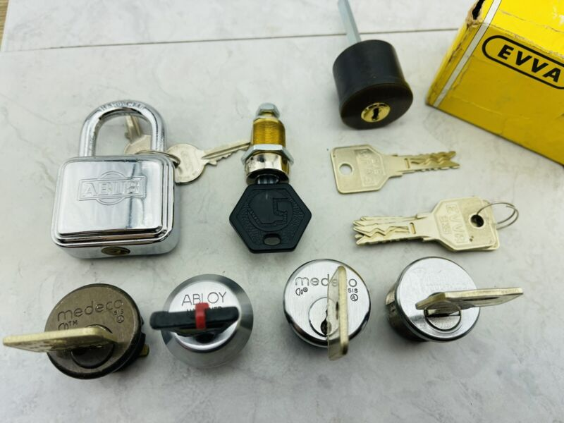 Large High security lock lot locksport locks
