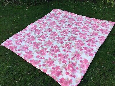 1970s Vintage Double bed Quilt Throw Cover Pink Floral  retro Old Vw van Kitsch