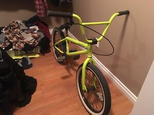 Verde cadet BMX BIKE 150$