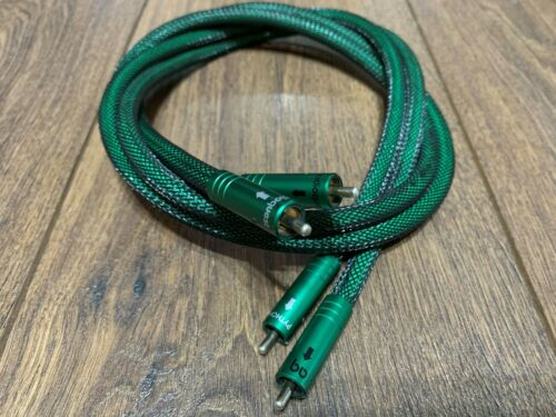 A pair of legendary AUDIOQUEST Python Interconnect Cables (~1.0m, RCA)