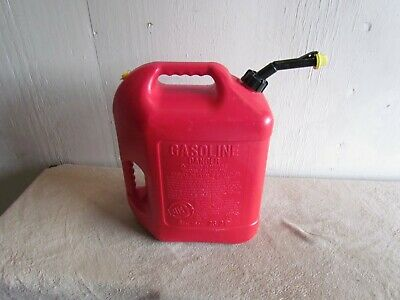 One Blitz 6 Gallon Vented Gas Can Painted