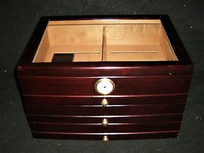 Large Dark Mahogany Glass Top Cigar Humidor With 3 Drawers ()