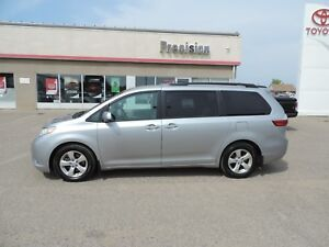 2017 Toyota Sienna LE 8 Passenger No Accidents! Extended Warr...