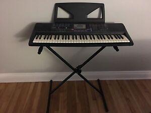 Yamaha Keyboard - PSR-220