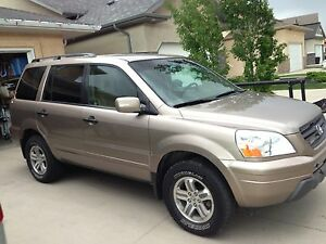 Honda Pilot Excellent Condition with 3rd row seating