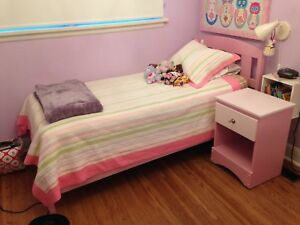 Single solid wood bed frame and side table