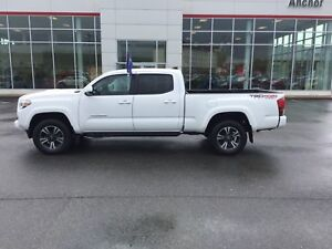 2017 Toyota Tacoma SR5 TRD SPORT; HEATED SEATS; BU CAMERA; NA...