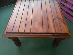 Coffee table hard wood ( brown ) St Marys Penrith Area Preview