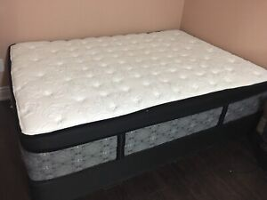 Leon's Sealy Pillow-top double mattress with base