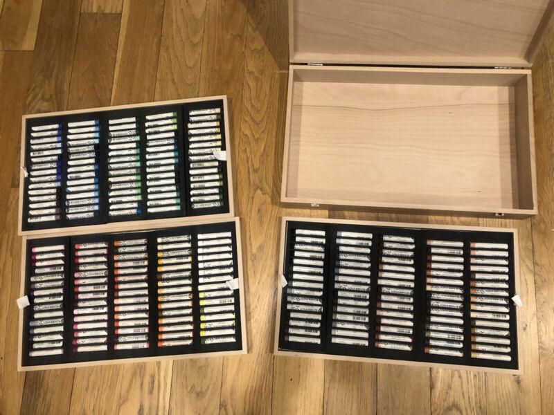REMBRANDT SOFT PASTELS - 225 Pastels - Wood Box NEW