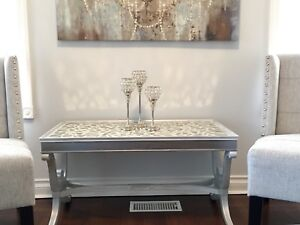 Luxurious mirrored accent table