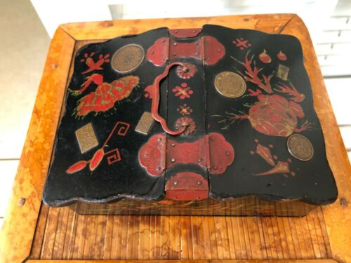 ANTIQUE JAPANESE TOLE PAINTED MONEY BRONZE COINS JEWELRY TRINKET BOX W HANDLES