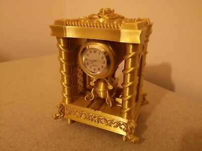 Silk gold plastic free-standing clock based on the 1800
