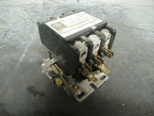 40 AMP GENERAL ELECTRIC CONTACTOR CR353AD3BA1CD 600 VOLTS50 AMPRES W/ LUGS