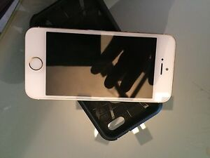 iPhone 5s 16 gigs très propre160 $