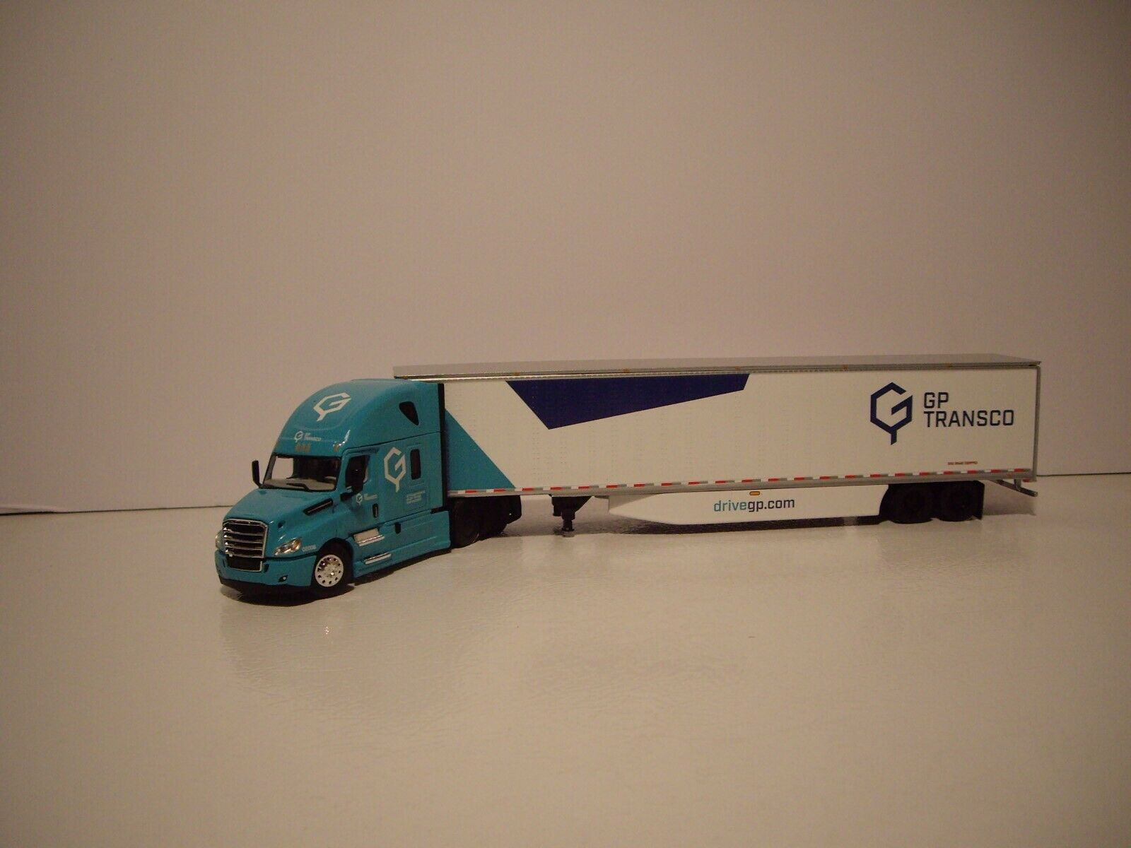 DCP 1/64 GP TRANSCO FREIGHTLINER CASCADIA WITH HIGH ROOF SLEEPER AND 53' DRY VAN