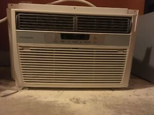 Frigidaire window mount air Conditioning unit