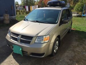 2008 Dodge Grand Caravan SXT Fully Loaded DVD Rear Backup Camera