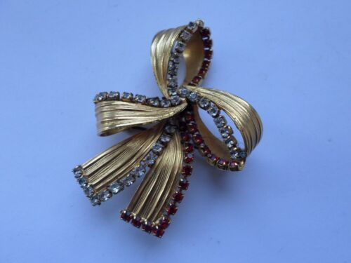 Vintage circa 1950s Christmas bow style brooch