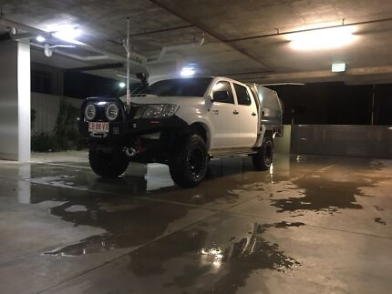 Custom BullBar Toyota Hilux