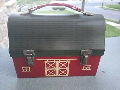 Vintage  Red Barn Metal Lunchbox American Thermos Co. - No Thermos