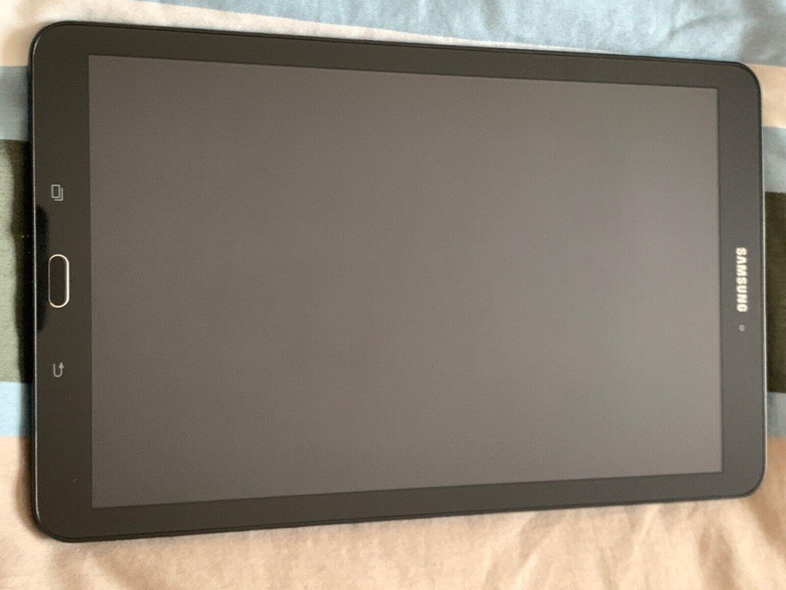 Samsung galaxy tab e noire parfait état