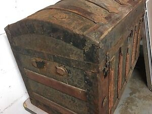 Antique wood and tin trunk Kitchener / Waterloo Kitchener Area image 3