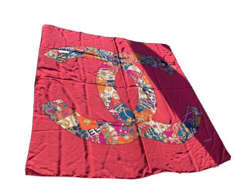 Superbe  carre foulard  geant chanel 130 cm par 130 cm