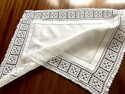 VINTAGE HAND CROCHET WHITE LINEN TABLE CENTRE CLOTH 18X23 INCHES