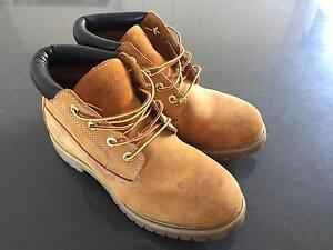 Timberland Chukka Leather Boot Nubuk 10M Figtree Wollongong Area Preview