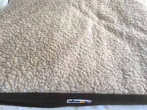 Tail Waggers heated pet  bed Tenambit Maitland Area Preview