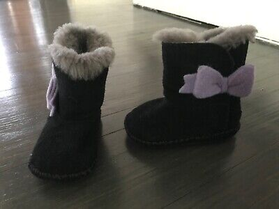 UGG Girls Toddler Girls Classic Black purple bow Boots Size 2/3 Retail $90
