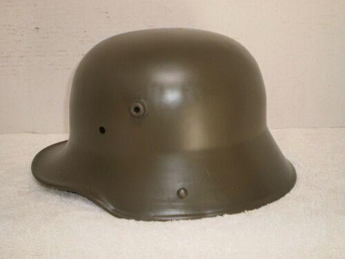 WW1 German steel helmet M16 , BF64