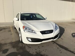 PRICE REDUCED! 2010 Hyundai Genesis coupe 2.0Turbo LOW KM