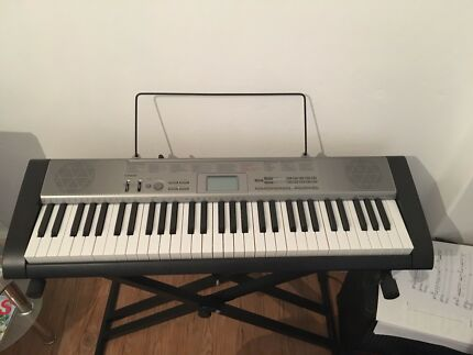 Casio Keyboard - piano